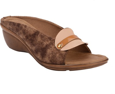 Chicopee Women Brown Wedges