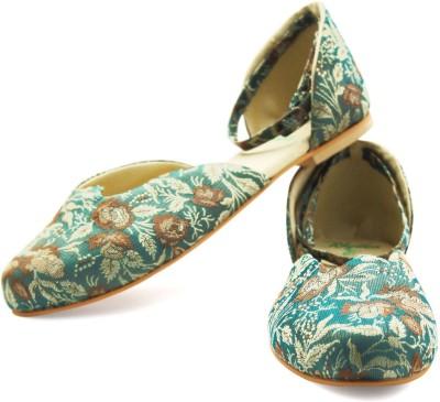 Rhythm & Shoes Women Green, Beige Flats