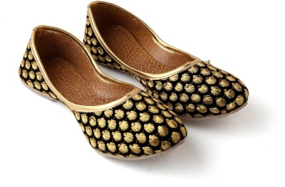 Kitty Women Black, Gold Flats