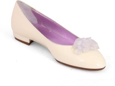 Ilian Fossa Women White Heels