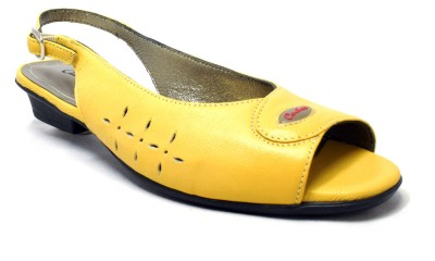 Canthari Spirit Women Yellow Heels