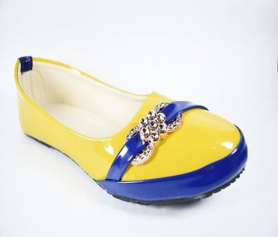 Multi Movin Girls Yellow Flats