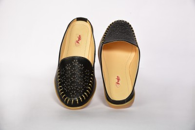 Paglee Women Black Sandals