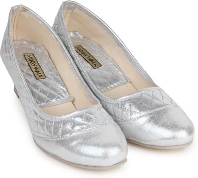 Moonwalk Women Silver Wedges