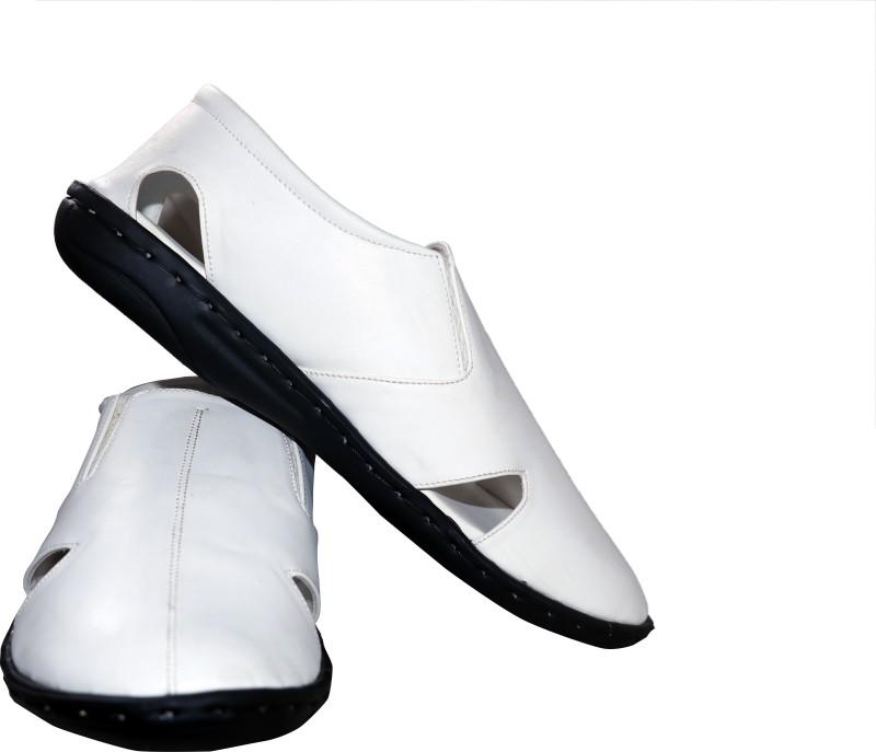 One Up Men White Sandals SNDENHVSFYZRNSAF