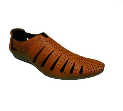 Kolapuri Center Men Tan Sandals