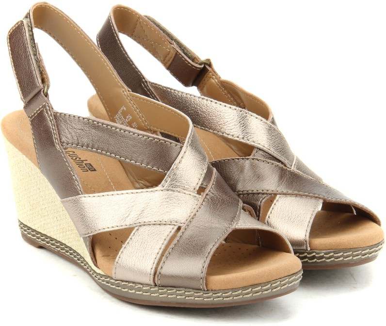 a71c5585bad3d6 Clarks Helio Coral Metallic Leather Women Metallic Leather Sports Sandals