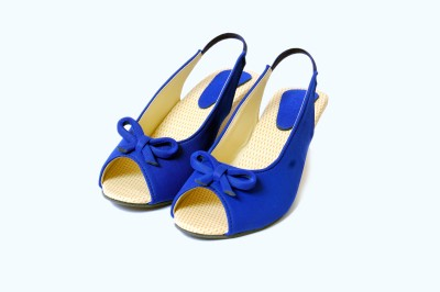 Gizelle Women Blue Wedges