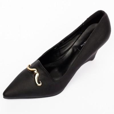 Hepburnette Women Black Wedges