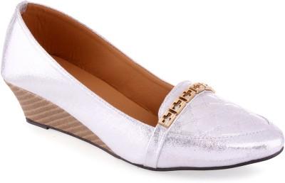 Aashka Women Silver Wedges