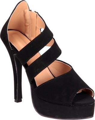 Soft & Sleek Classic Beige Patent Girls Heels