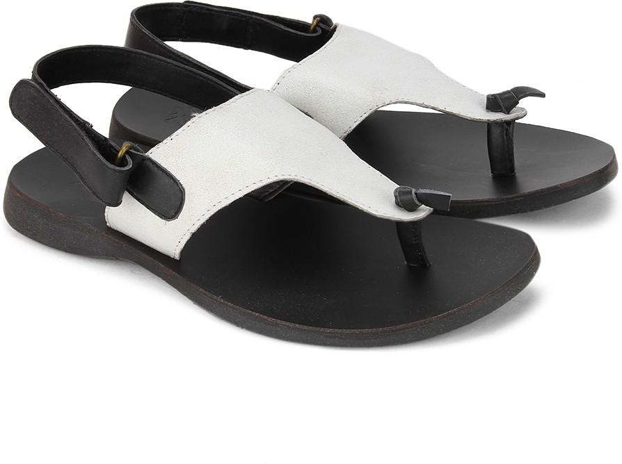 ec13ead142f07 United Colors of Benetton Men 901 Sports Sandals was ₹1835 now ₹1189