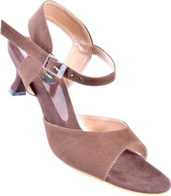 Walkaway Women Brown Heels