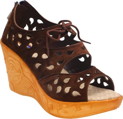Motion Women Brown Wedges