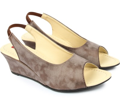 Finesse Women Brown Wedges