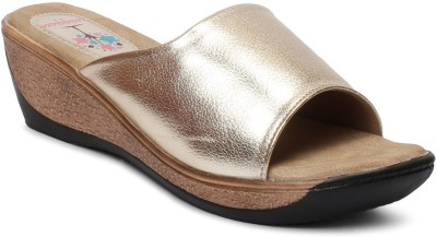 Meriggiare Women Gold Wedges