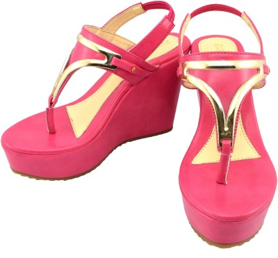 New Divas Women Pink Wedges
