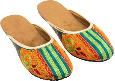Footrendz Women Brown Flats