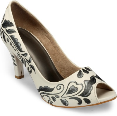 Wearmates Women White Heels