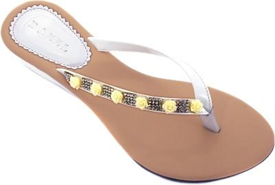 Dazzl EVE Slip-on Women White Wedges