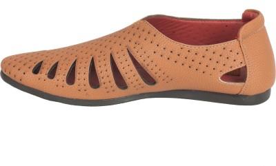 LeCobbs Men Beige Sandals