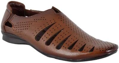 DLS Men Brown Sandals