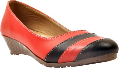 Arcade Women Red, Black Wedges