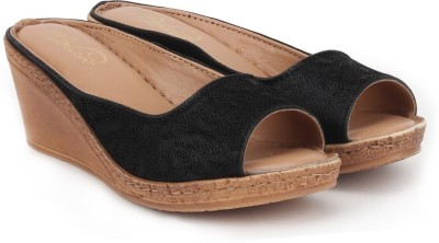 La Briza Women Black Wedges