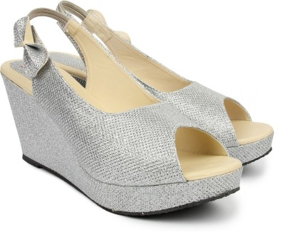 Hansfootnfit Women Silver Wedges