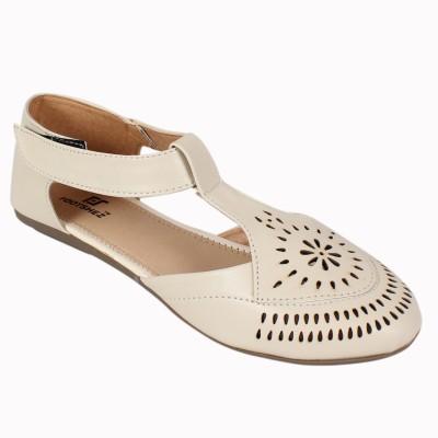 Footshez Women Camel Flats