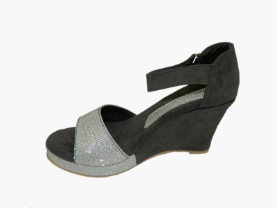 Heels And Toes Women Grey, Silver Wedges