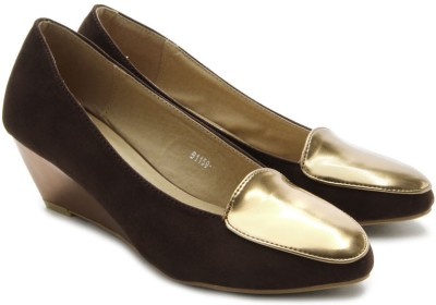 Jove Women Brown, Gold Wedges