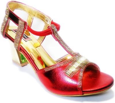 Naaz Girls Gold Sandals