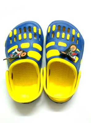 SNAPIN Baby Girls Blue, Red Clogs