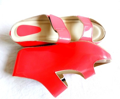 T Global Women Pink Wedges