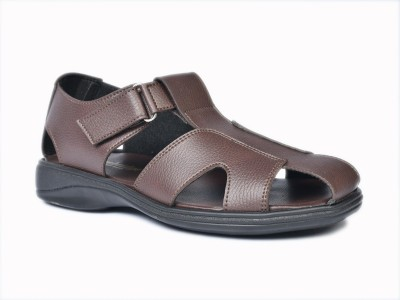 CAMBRIDGE Men Brown Sandals