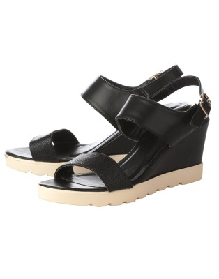 Vero Couture Women Black Wedges