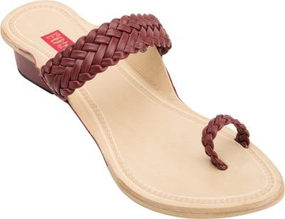 Footrendz Women Maroon Heels