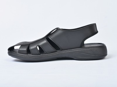 CAMBRIDGE Men Black Sandals