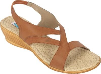 walk n style Women Tan Heels
