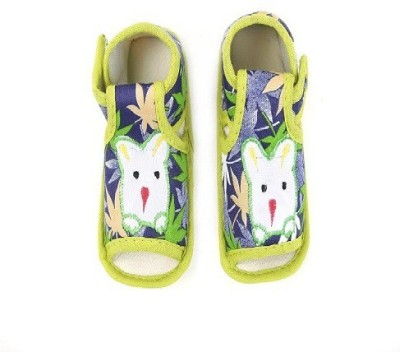 CHHOTE JANAB Baby Girls, Baby Boys Green Sandals