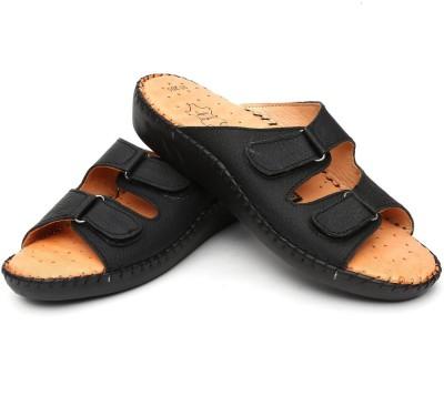 Vaishnovi Women Black Flats