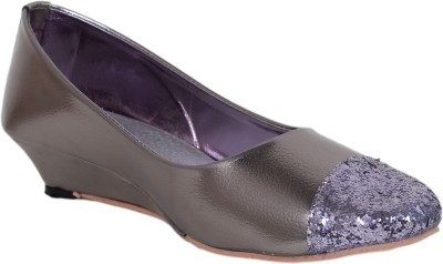 Sandhills Women Grey Wedges
