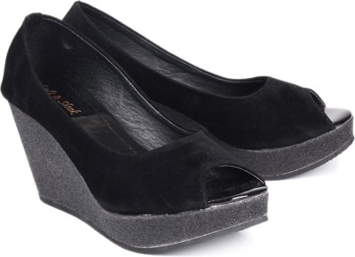 Soft & Sleek 1349 Black Women Black Wedges