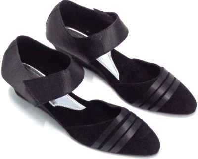 CreativeSelections Women Black Wedges