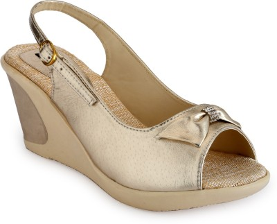 Just Wow Women Gold Wedges