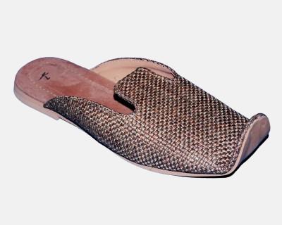 Kolapuri Center Men Beige Sandals