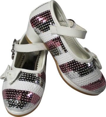 Primes Girls Silver, White Sandals