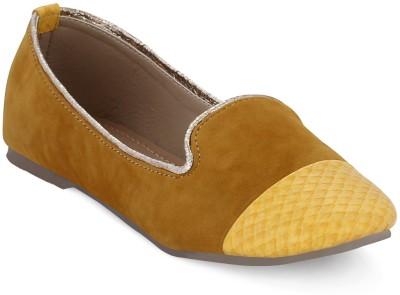 Get Glamr Spears Women Yellow Flats