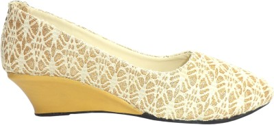 A.R COLLECTION Women Camel Bellies